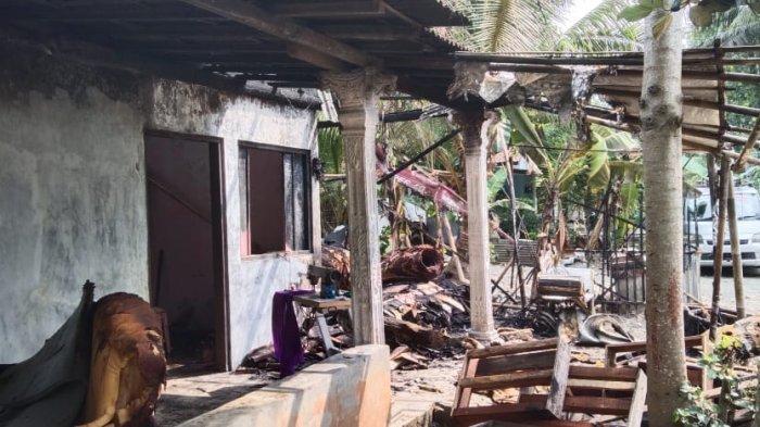 Apes, Jelang Lebaran Bengkel Sofa di Adimulyo Kebumen Terbakar