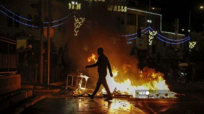 Ratusan Orang Luka-luka dalam Bentrok Antar-demonstan Yahudi dan Arab