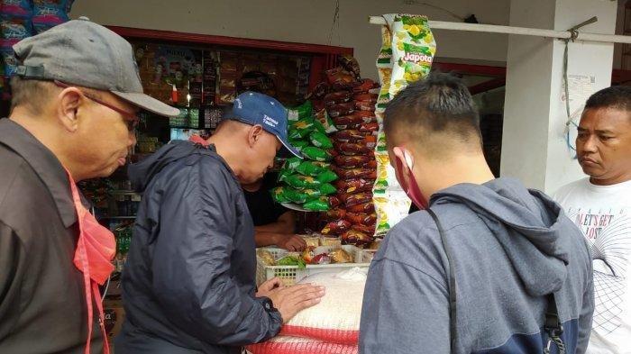 Geger Beras BPNT Berisi Butiran Bening Plastik