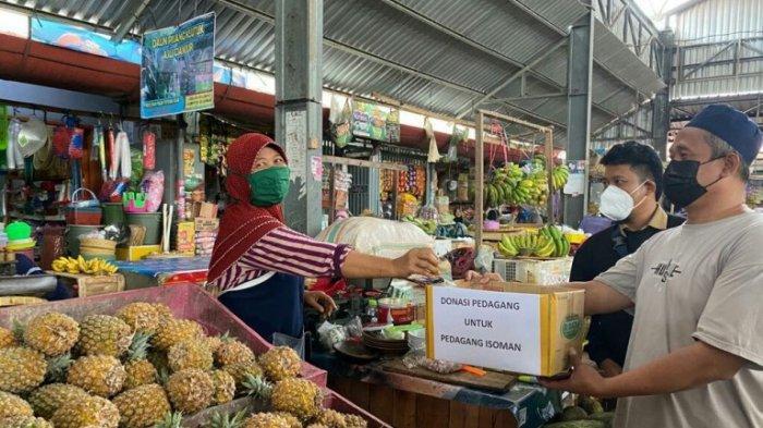 Pedagang di Pasar Pepedan Kabupaten Tegal Galang Donasi untuk Pedagang yang Isoman dan Sakit