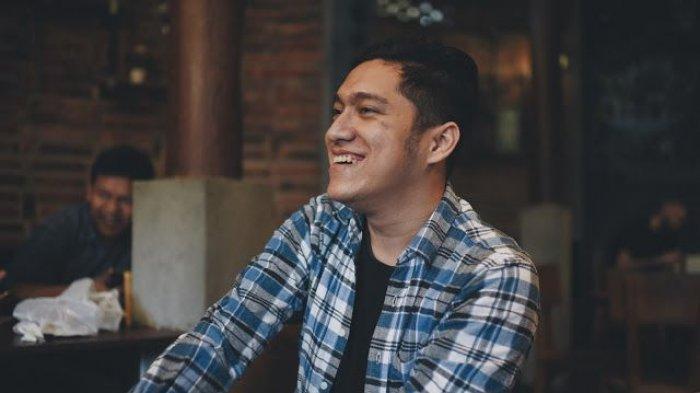 Puisi Angsa-angsa Ketapang Bernard Batubara