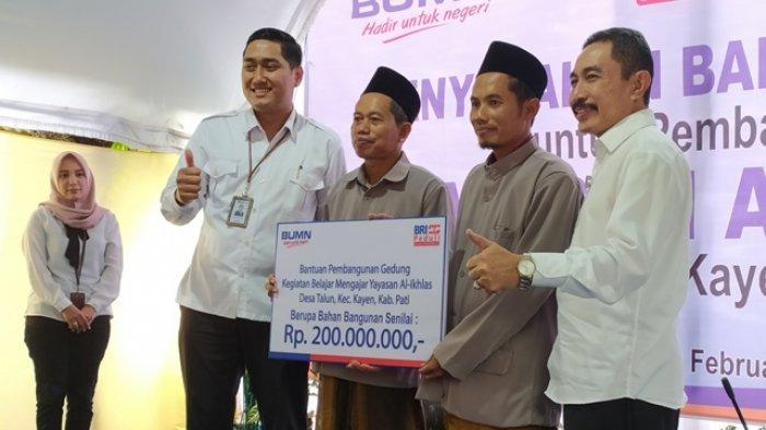 Bupati Haryanto Berikan CSR Bank BRI Rp 200 Juta untuk Pembangunan Yayasan Al-Ikhlas Desa Talun Pati