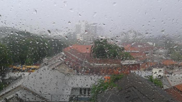 Peringatan Cuaca Buruk BMKG Jateng Jam 17.20 WIB
