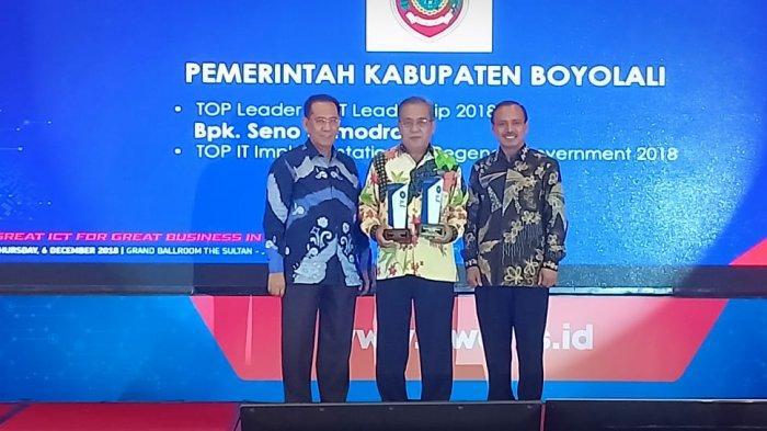 Pemkab Boyolali Bawa Pulang Dua Award di Ajang TOP IT & TELCO 2018