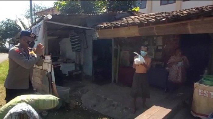 Respons Melonjaknya Kasus Covid-19 di Semarang, Brimob Simongan Beri Daging Kurban bagi Warga Isoman