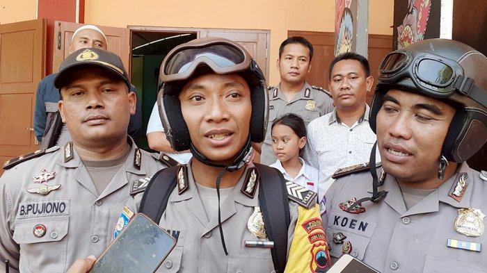 Pak Bhabin Blusukan Sosialisasi Penerimaan Anggota Polri di SMA Negeri 2 Pati