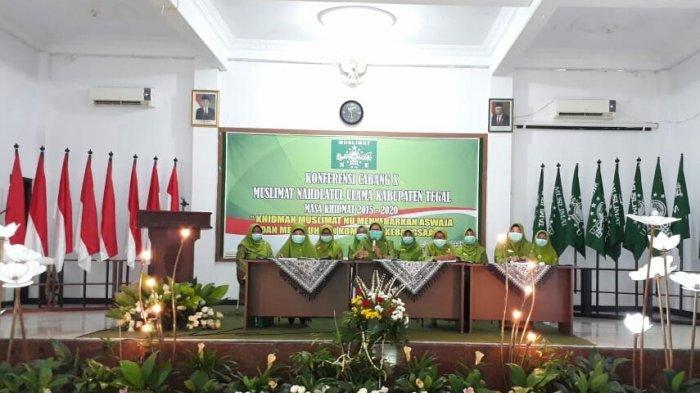 Umi Azizah Kembali Pimpin Cabang Muslimat NU Kabupaten Tegal Periode 2021-2026.