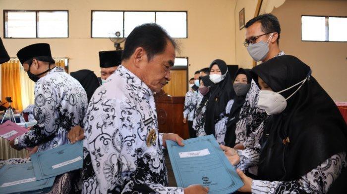 PGRI Jateng Sebut Banyak Pelajar Lost Learning, Bupati Banjarnegara: Mereka Pintar, Pintar Main Game