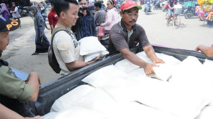 Stabilkan Harga Beras, Bulog Gelar Operasi Pasar di Kota Pekalongan