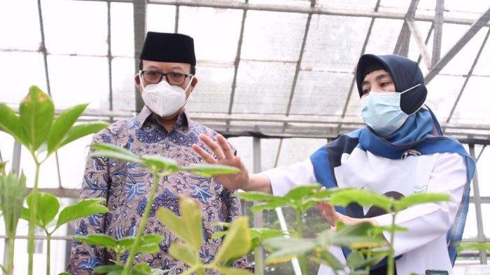 Bupati Banyumas, Achmad Husein mengunjungi Balai Besar Litbang dan Sumber Daya Genetik Pertanian (BB Biogen) di Bogor beberapa waktu lalu, Senin (12/7/2021).