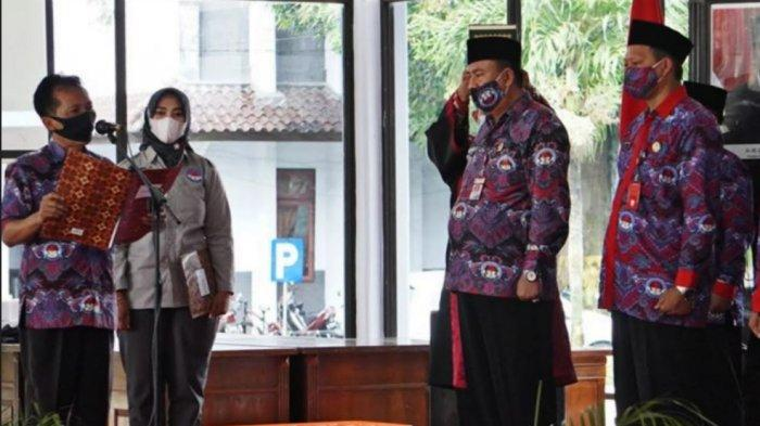 Bupati Batang Wihaji saat memberikan sambutan pada pelantikan dan pengukuhan pengurus masa bhakti 2021 sampai 2026 di Pendopo Kabupaten Batang, Kamis (17/6/2021).
