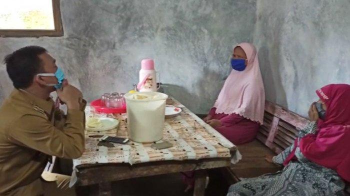 Cerita Waryu dan Yuriah Terharu Tak Sangka Utangnya Dilunasi Bupati Batang Wihaji