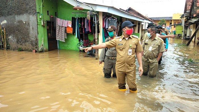 Bupati Batang Wihaji Pastikan Warga Terdampak Banjir Cepat Terlayani