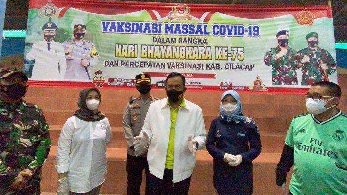 1.722 Orang Mengikuti Vaksinasi Massal di GOR Wijayakusuma Cilacap