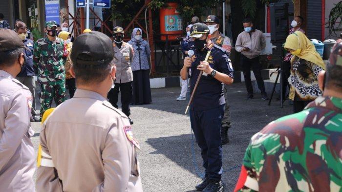 Beberapa Kendaraan Diputarbalikan Saat Bupati Cilacap Monitoring PPKM di Perbatasan Jateng - Jabar