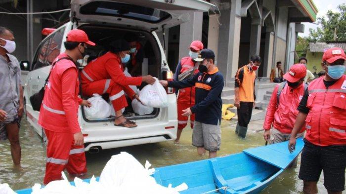 Bupati Haryanto Tengok Korban Banjir Sukolilo Pati, Bawa Sembako Agar Warga Tak Kelaparan
