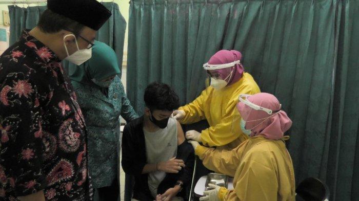 Bupati Achmad Husein Minta Forum Anak Banyumas Ikut Edukasi Pentingnya Vaksinasi