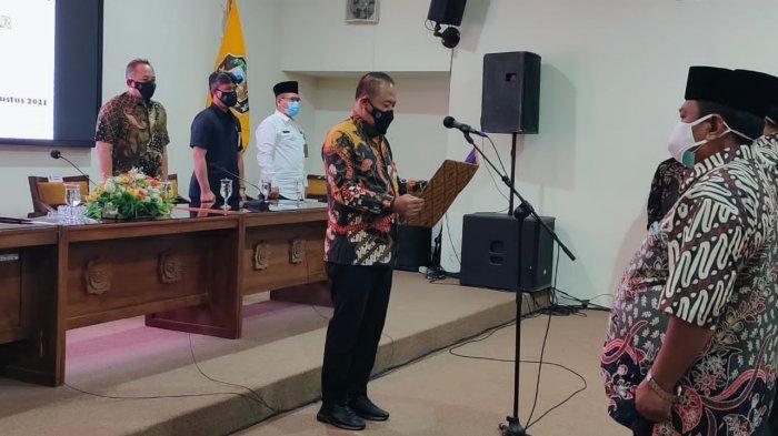Bupati Juliyatmono Kukuhkan Ketua FKUB Karanganyar yang Baru