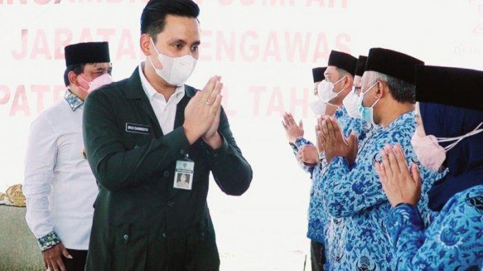 BupatI Kendal Lantik 320 Pejabat Baru di TPA Darupono