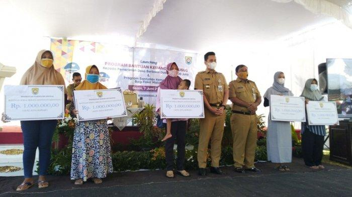 Alhamdulillah, 100 Hari Kerja, Bupati Dico Wujudkan Janji Kampanye Dana Dusun dan Tunjangan Kematian