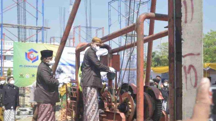 Bupati Dico Lakukan Peletakan Batu Pertama Pembangunan Gedung Perpustakaan Kendal