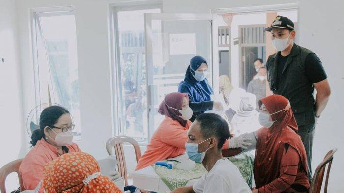 Bupati Dico Ganinduto Monitoring Vaksinasi di Desa Limbangan Kendal