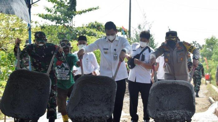 Bupati Dico Ganinduto dan Dandim Letkol Inf Iman Widhiarto Buka TMMD Sengkuyung Tahap I Kendal