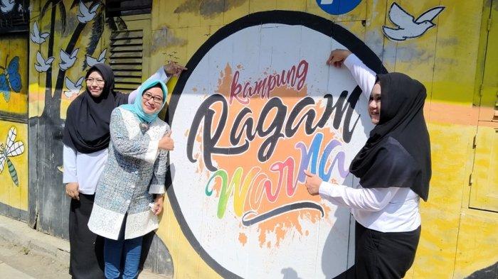 Bupati Mirna Pun Terpikat untuk Berswafoto di Kampung Mranggen