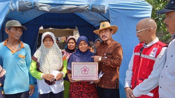 Baznas dan PMI Serahkan Bantuan ke Korban Kebakaran di Kecamatan Jakenan Kabupaten Pati