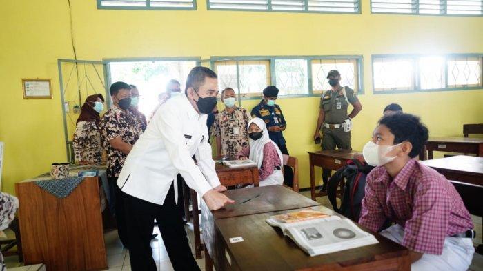 Tinjau Uji Coba PTM, Bupati Pati Haryanto: Jangan Sampai Berhenti Karena Muncul Klaster Covid-19