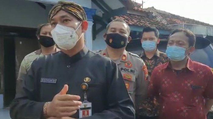 Bupati Pemalang Mukti Agung Wibowo saat mendatangi Desa Widodaren Kecamatan Petarukan, Pemalang, Senin (15/3/2021).