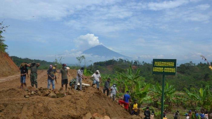 TMMD Sengkuyung III Bangun Jalan Tembus Tegalpingen-Tumanggal Purbalingga, Bupati: Agar Ekonomi Maju