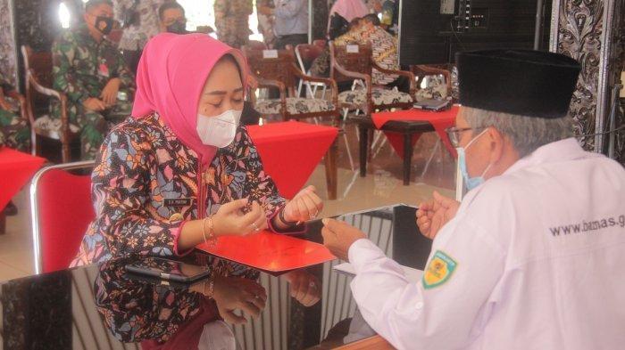 Gerakan Cinta Zakat Infaq dan Shodaqoh, Bupati Tiwi Kumpulan Zakat Forkompinda Kepada Baznas