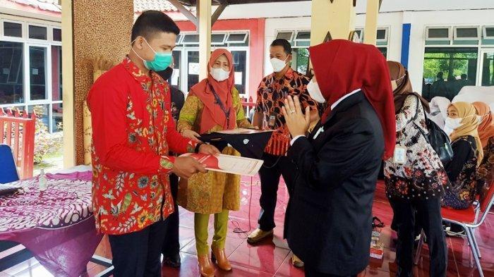 Bupati Tiwi Minta Pendamping UMKM Memahami Potensi Unggulan di Kecamatan Masing-masing