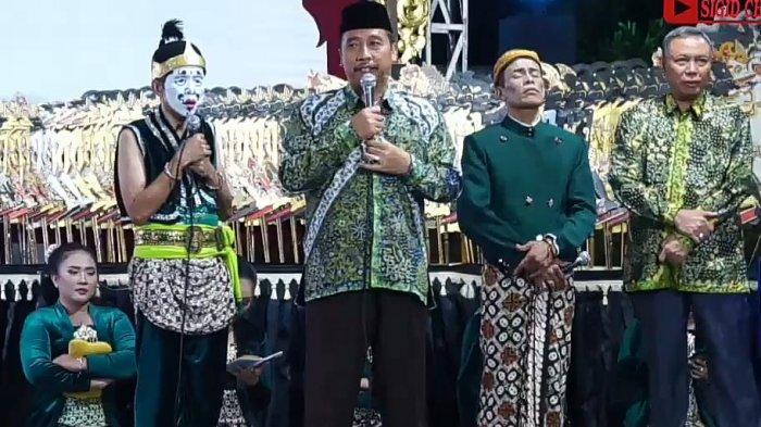 Wayang Kulit 'Ngalengka Brubuh' Membawa Harapan Kemajuan Kabupaten Rembang