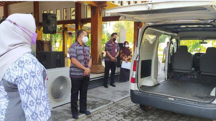 Angka Kematian Covid-19 Tinggi, Pemkab Sragen Dapat Bantuan 2 Mobil Jenazah dari Ndayu Park