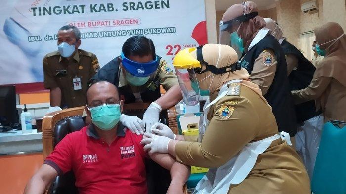 Bupati Sragen Sampaikan Vaksinasi di Sragen Terus Dilakukan, Vaksin Astrazeneca di Simpan
