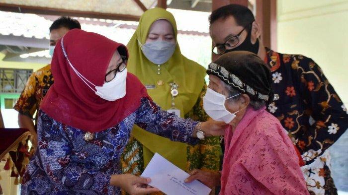 665 Lansia di Kabupaten Tegal Terima Bantuan Tunai Rp 250 Ribu per Bulan
