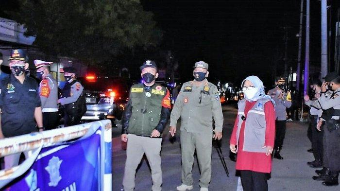 Bupati Tegal Umi Azizah Minta Pedagang Patuhi Jam Tutup Malam Hari Saat PPKM Darurat