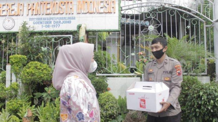 Bupati beserta Forkopimda Purbalingga saat melakukan monitoring ke gereja-gereja di Purbalingga, Jumat (2/4/2021).