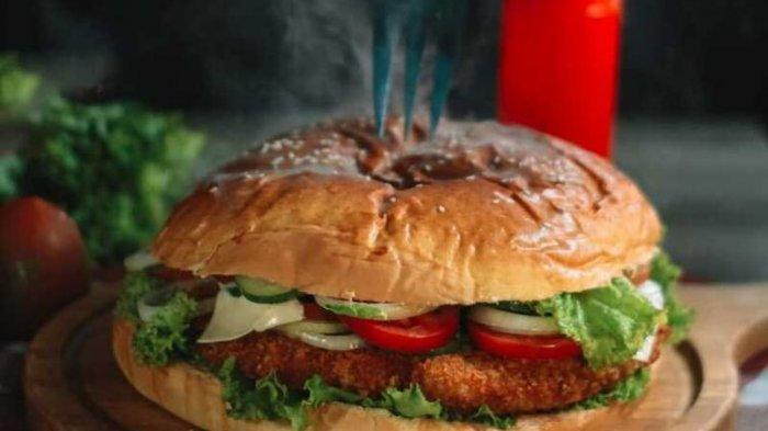 Polisi Minta Burger Ditolak, 19 Karyawan Sebuah Resto Ditangkap