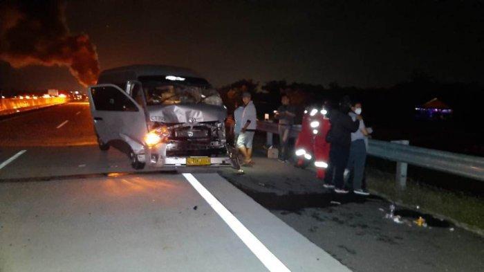 Bus Hiace H 8642 LB yang terlibat kecelakaan beruntun di KM 485 ruas Tol Solo-Semarang, Boyolali, Selasa (8/9/2020) malam.
