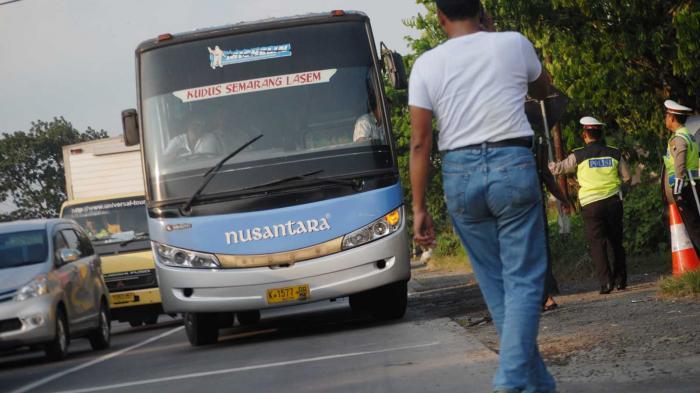 Pembunuh Sadis Wanita di Pati Diringkus Saat Tidur di Bus yang Sedang Berjalan ke Semarang - bus-nusantara_20160513_182850.jpg