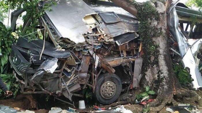 Bus Rombongan Pelajar MAN Tabrak Pohon di Sukabumi, 2 Orang Meninggal