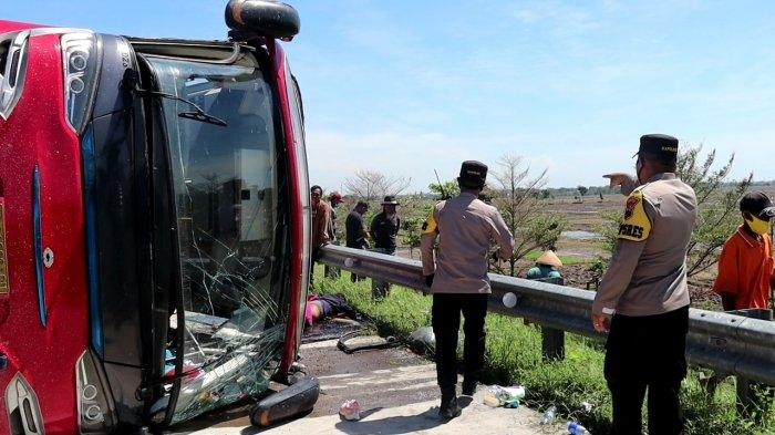BERITA LENGKAP : Kecelakaan Bus STJ di Tol Pemalang, 8 Meninggal Dunia dan 20 Korban Luka-luka