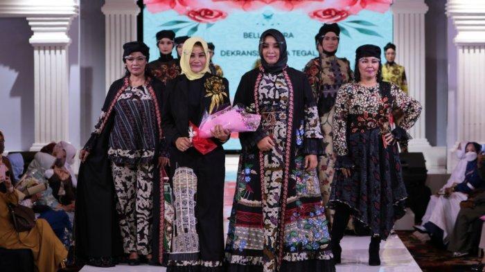 Kain Goyor dan Batik Tegal Curi Perhatian di Ajang Indonesia Hijab Walk 2021