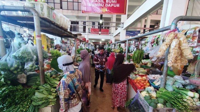Cek Kebutuhan Pokok di Pasar Manis Purwokerto, Harga Ayam Kampung Melonjak Jadi 75 Ribu Per Kilogram