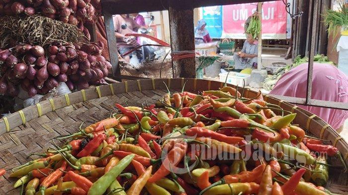 Orang Doyan Pedes Tak Puas Jajan Ayam Geprek Sambal di Tegal, Ternyata Gara-gara Cabainya