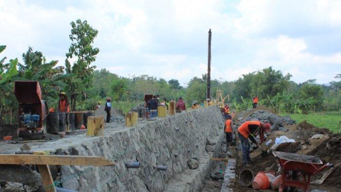 Hubungkan Dua Desa, Pembangunan Jembatan Gantung Kalitajum Jatilawang Banyumas Dimulai