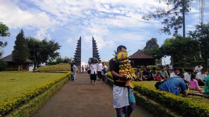 Candi Cetho dan Sukuh Hanya Terima Pengunjung Asal Jateng-DIY